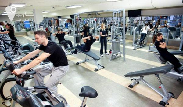 رژیم غدایی و استراحت مناسب در حجم گرفتن عضلات به شما کمک می کند.
