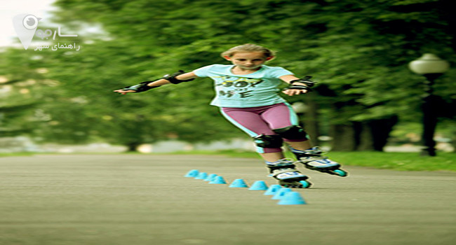 اسکیت با مانع نیازمند تمرکز و مهارت و آموزش اسکیت می باشد.
