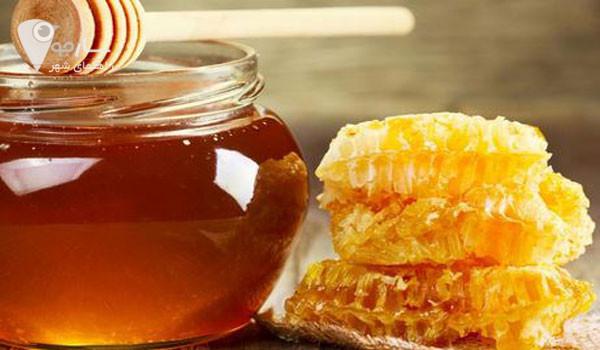 عسل برای درمان خشکی پوست صورت بهترین گزینه است. خشکی پوست پا