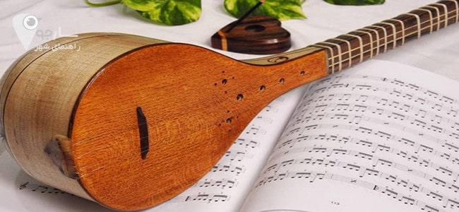 تار یکی از آلات موسیقی مهم بشمار میرود