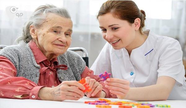 در نظرگرفتن برنامه های تفریحی و سرگرمی برای سالمند، از وظایف پرستار سالمند است