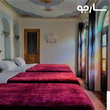 نمایی از اتاق های چند تخته هتل سنتی سپهر شیراز