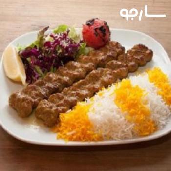 غذای بیرون بر شب چراغ شیراز